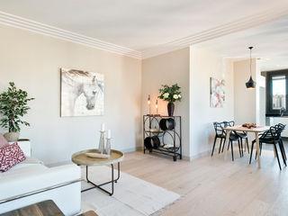 Markham Stagers 现代客厅設計點子、靈感 & 圖片 Beige