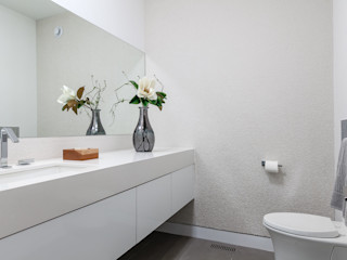 Frahm Interiors Modern Bathroom White
