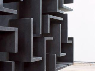 destilat Design Studio GmbH Living roomShelves