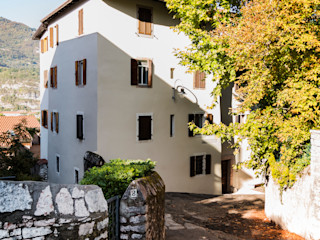 raro Country style houses