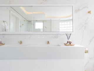 Cassiana Rubin Arquitetura Minimalist bathroom