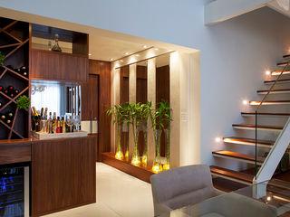 Infinity Spaces Pasillos, vestíbulos y escaleras modernos
