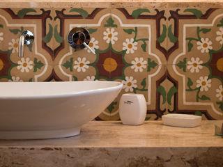 PAVIMENTI PIETRO BASILE SRL Classic style bathroom Concrete Beige