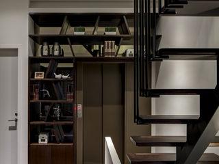 大荷室內裝修設計工程有限公司 Couloir, entrée, escaliers modernes