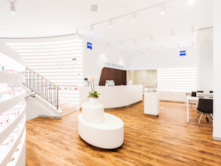 ZEISS VISION CENTER KASSEL Philip Gunkel Photographie Moderne Ladenflächen Weiß