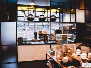 Tom+Konsorten Andras Koos Architectural Interior Design Industriale Ladenflächen
