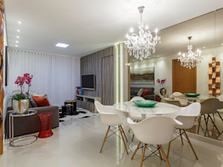 JANAINA NAVES - Design & Arquitetura Eclectic style dining room Wood-Plastic Composite White