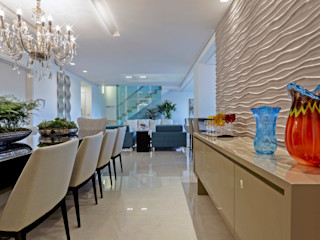 JANAINA NAVES - Design & Arquitetura Eclectic style dining room Wood-Plastic Composite Beige