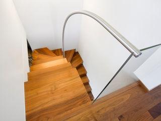 innen_architekten BALS + WIRTH Koridor & Tangga Modern