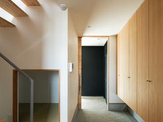 藤森大作建築設計事務所 Modern Koridor, Hol & Merdivenler Ahşap Beyaz