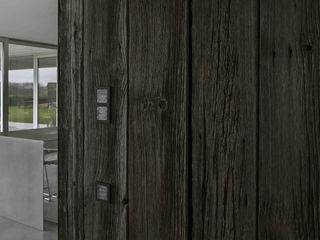 Lab32 architecten Rumah Modern Batu Wood effect