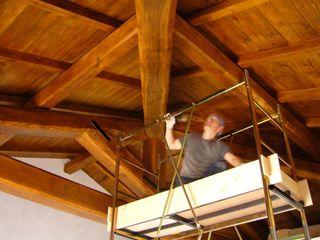 Gli Artigiani dei f.lli M.& S. Cordi snc Corridor, hallway & stairsAccessories & decoration Wood