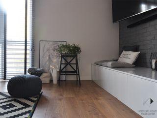 Architekt wnętrz Klaudia Pniak Salones de estilo moderno Compuestos de madera y plástico Blanco