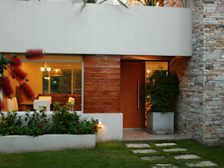 Casa en country C.U.B.A. - Fatima - Pcia de Buenos Aires Rocha & Figueroa Bunge arquitectos Casas modernas: Ideas, imágenes y decoración