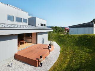 藤原・室 建築設計事務所 Moderner Garten Weiß