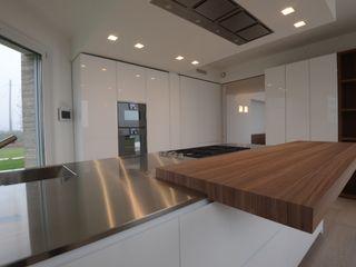 Frigerio Paolo & C. Кухня в стиле модерн Дерево Белый