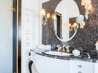 Bathrooms Gracious Luxury Interiors Classic style bathroom Black