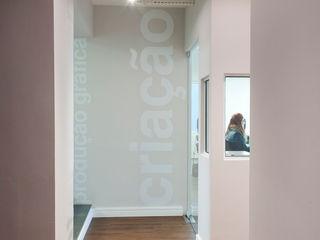 Compacta Comunicação RICARDOTRAMONTINA.ART Escritórios minimalistas