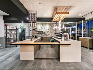 Alice D'Andrea Design Bars & clubs White