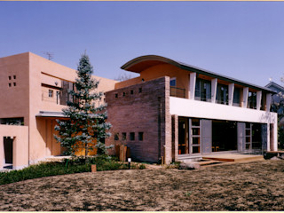 地中海をイメージする大型住宅 豊田空間デザイン室 一級建築士事務所 地中海風 家 砂岩 ベージュ