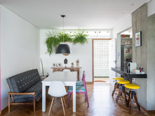 Reforma de apartamento - Ateliê Paralelo Joana França Salas de jantar modernas