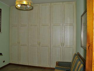 Gli Artigiani dei f.lli M.& S. Cordi snc BedroomWardrobes & closets Wood