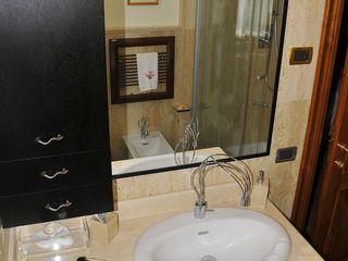 Gli Artigiani dei f.lli M.& S. Cordi snc BathroomShelves Slate