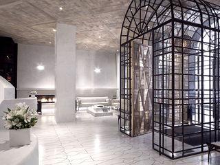 Joe Ginsberg Design Modern hotels Amber/Gold