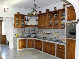 Gli Artigiani dei f.lli M.& S. Cordi snc KitchenStorage Wood