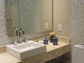 Concept Engenharia + Design Baños modernos Vidrio Verde