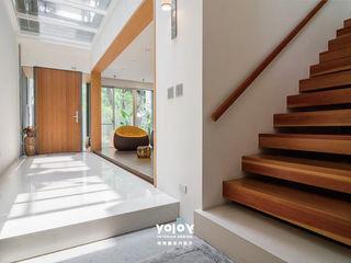 有容藝室內裝修設計有限公司 Pasillos, halls y escaleras escandinavos