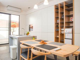 直譯空間設計有限公司 Modern dining room White