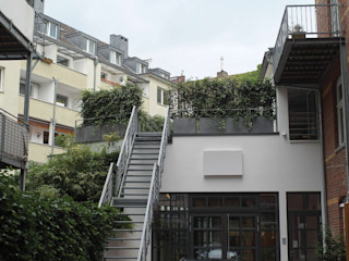 Terrasse à Düsseldorf : Ensemble de jardinières patinées Zinc; Fourniture clef en main ! ATELIER SO GREEN Espaces de bureaux modernes