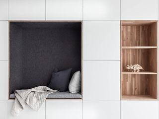 Woonhuis | Leiden Design Studio Nu Scandinavische woonkamers MDF Wit