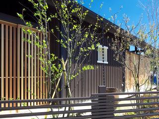 大村フォレストバーン 環アソシエイツ・高岸設計室 カントリーな 家 木 ブラウン