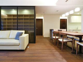 直譯空間設計有限公司 Minimalist walls & floors Wood effect