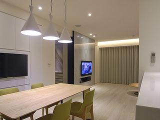 直譯空間設計有限公司 Minimalist dining room White