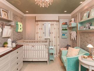 Lodo Barana Arquitetura e Interiores Modern nursery/kids room Wood Green