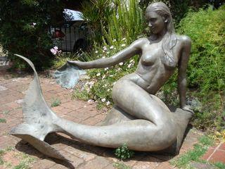 HERZOK ESCULTORES Y FUNDICIÓN Garden Swim baths & ponds Metal