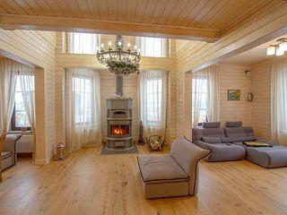 GOOD WOOD Klassische Wohnzimmer