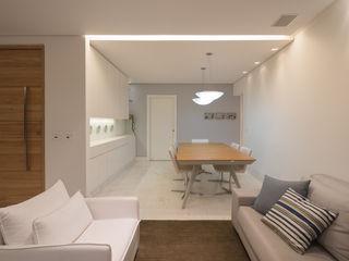 MEIUS ARQUITETURA Minimalist dining room