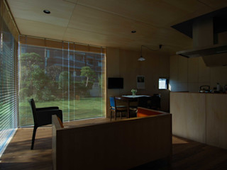 M+2 Architects & Associates Nowoczesny salon Drewno O efekcie drewna