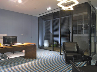 直譯空間設計有限公司 Офисы и магазины в стиле модерн Фиолетовый / Лиловый
