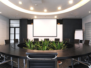 直譯空間設計有限公司 Конференц-центры в стиле модерн Белый