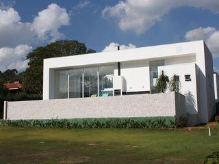 acr arquitetura Modern windows & doors Aluminium/Zinc White