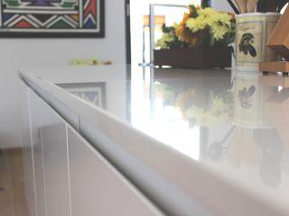 Première Interior Designs KitchenCabinets & shelves