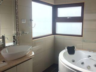 homify Mediterranean style bathroom