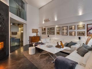 Loft Moon Resin srl Pareti & Pavimenti in stile minimalista