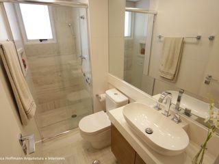 Angelica Hoffmann Arquitetura e Interiores Modern Bathroom