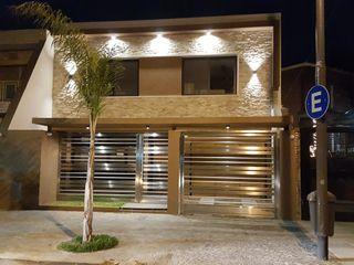 Arquitecto Oscar Alvarez Будинки